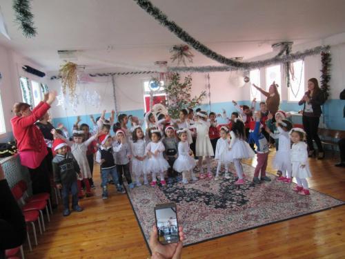 Коледен празник в ДГ